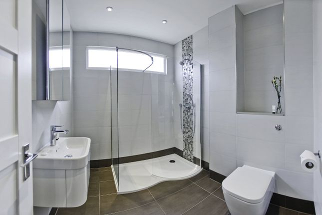 En Suite of Albany Crescent, Claygate, Esher, Surrey KT10