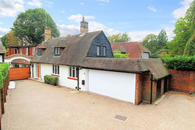 Thumbnail Detached house for sale in Hook Heath Road, Hook Heath, Woking