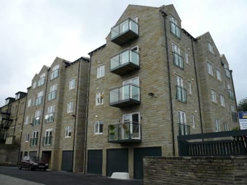 Thumbnail Property to rent in Copperfield House, Huddersfield Road, Halifax