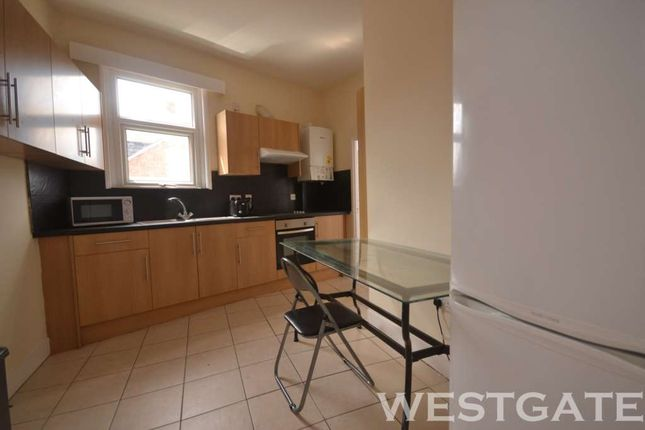 Thumbnail Flat to rent in Erleigh Road, Reading