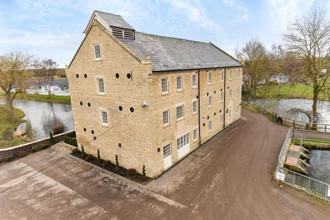 Thumbnail Flat to rent in Mill Road, Yarwell, Peterborough