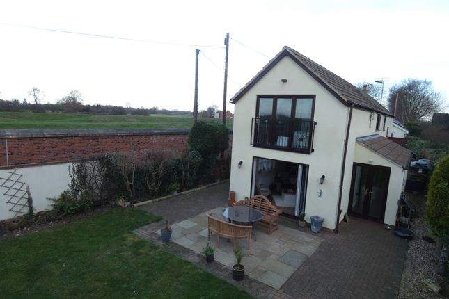Thumbnail Detached house for sale in West Bank, Stainforth, Doncaster