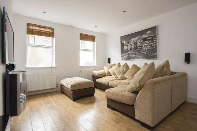 Living Room of Ashenden Road, London E5