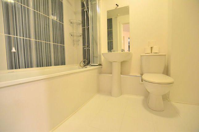 Bathroom of Salisbury Street, Liverpool L3