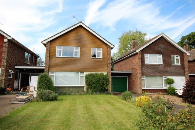 Thumbnail Link-detached house for sale in Springfield Park, Twyford