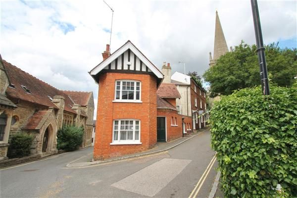 Thumbnail Property to rent in Chapel Cottage, Church Street, Buckingham
