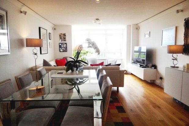 Thumbnail Flat to rent in Clarence Parade, Southsea