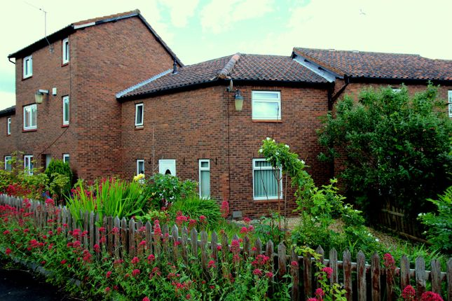 Thumbnail Terraced house to rent in Caradoc Close, Washington