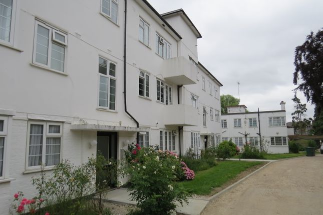 2 bed flat for sale in Torrington Park, North Finchley, London