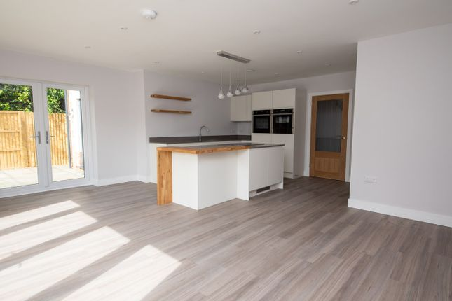 Thumbnail Detached house for sale in Worlds End, Beedon, Newbury
