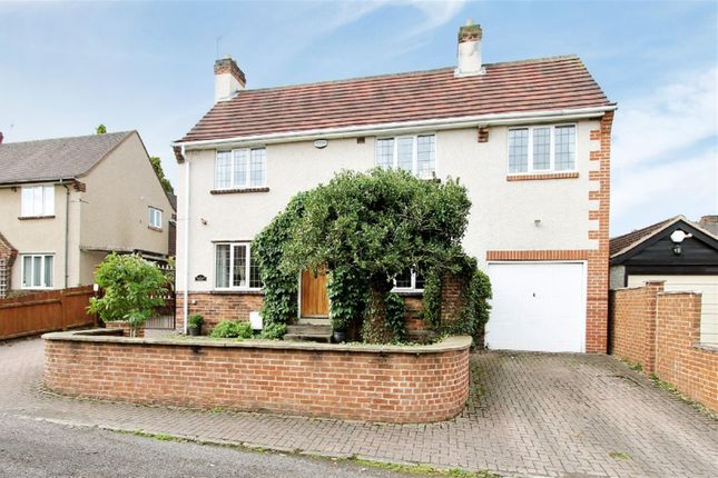 5 bedroom detached house for sale in Newlands Avenue, Chesterfield