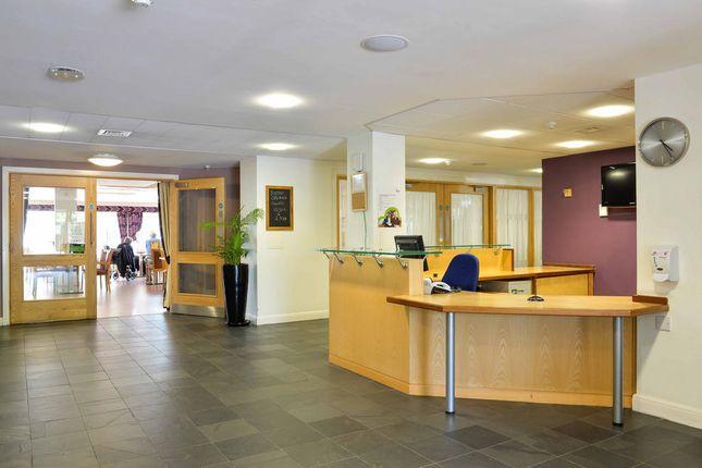 Reception of Heyeswood Ct, St Helens WA11