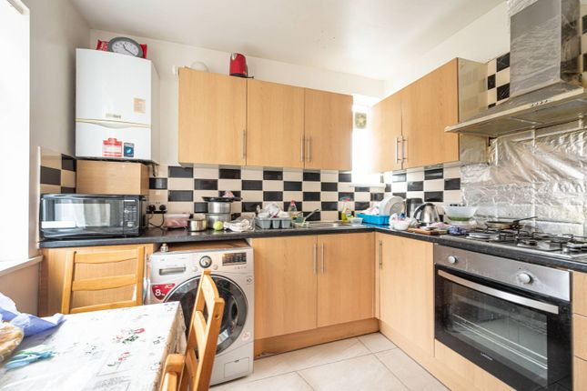 3 bed flat for sale in High Road, Wembley HA9