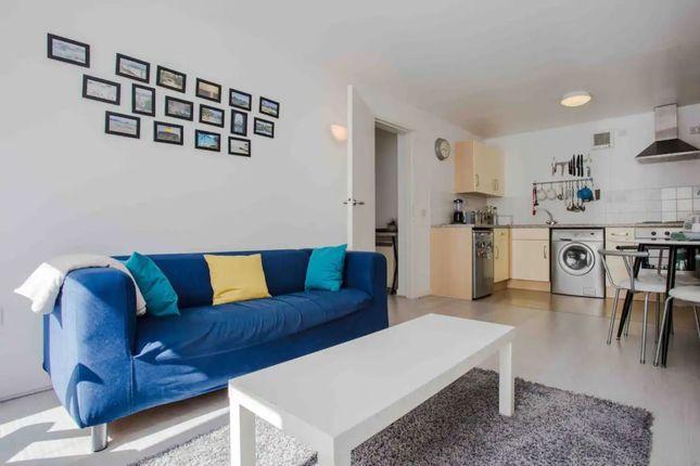 Thumbnail Flat to rent in Alva Court, London