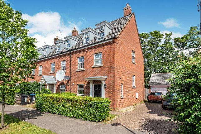 Thumbnail Property for sale in Langstone Ley, Welwyn Garden City
