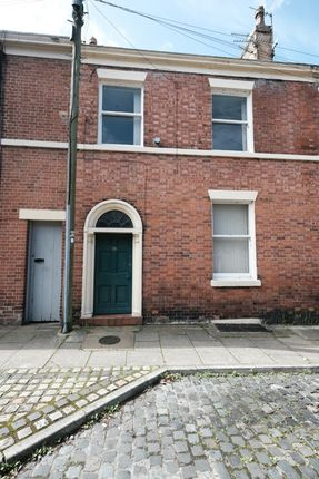 Thumbnail Flat to rent in Chaddock Street, Preston