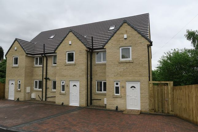 Thumbnail Town house for sale in Raikes Lane, Birstall, Batley