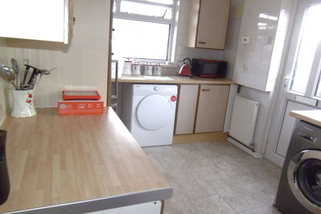 Thumbnail Bungalow to rent in Hafod Las, Pencoed