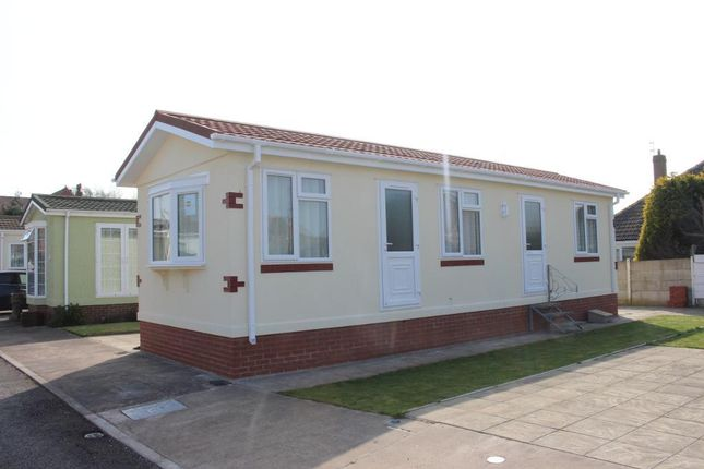 Thumbnail Mobile/park home for sale in Pine Crescent, Newholme Residential Park, Blackpool, Lancashire
