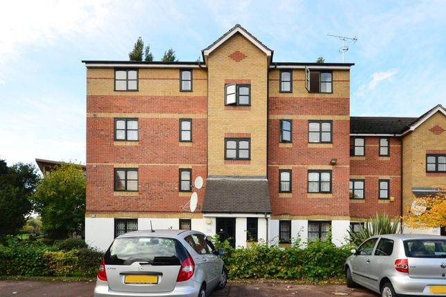 Thumbnail Flat to rent in Cherry Blossom Close N13, Palmers Green, London,