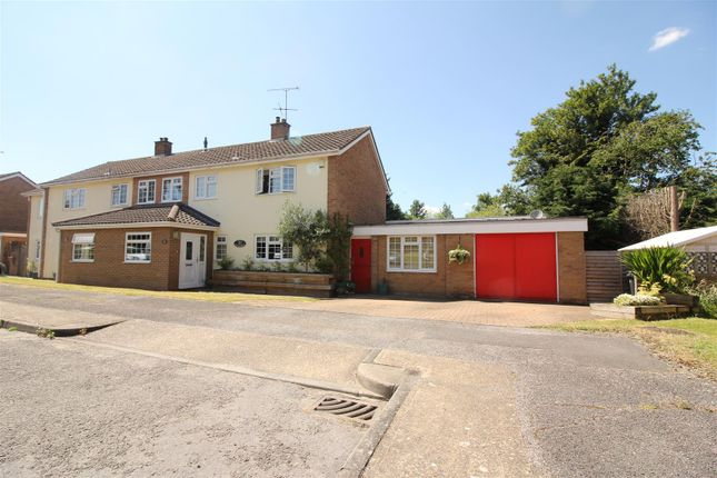Thumbnail Property for sale in Hawkenbury, Harlow