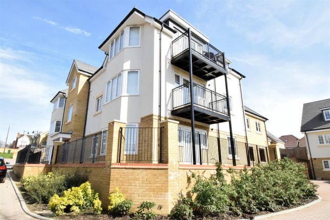 Thumbnail Flat for sale in Hereford Close, Knaphill, Woking