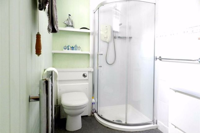 Bathroom of Wesley Place, St. Ives TR26