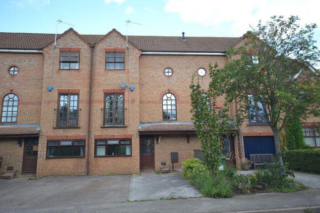 Room to rent in Grace Avenue, Oldbrook, Milton Keynes, Buckinghamshire MK6