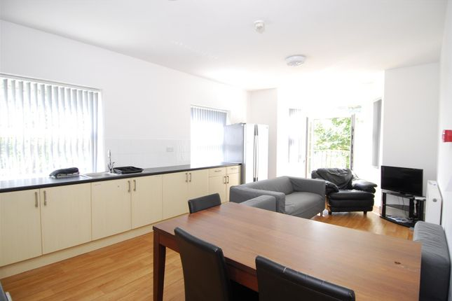 Thumbnail Flat to rent in Lisson Grove, Mutley, Plymouth