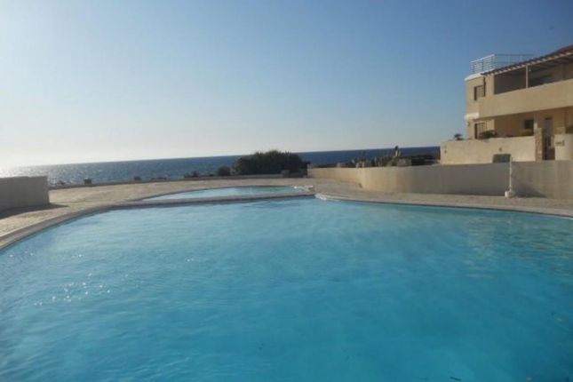 2 bed bungalow for sale in Chlorakas, Paphos, Cyprus