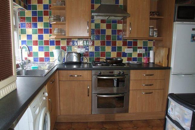 Thumbnail Semi-detached house to rent in Poulton Avenue, Sutton, Surrey