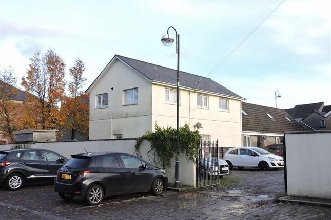 Flat for sale in Wind Street, Ammanford