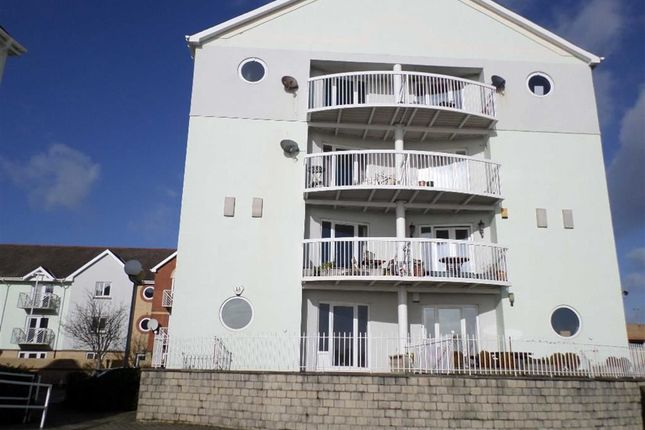 3 bed flat for sale in Nautilus House, Marina, Swansea