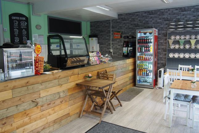 Thumbnail Restaurant/cafe for sale in Cafe & Sandwich Bars S64, Swinton, South Yorkshire