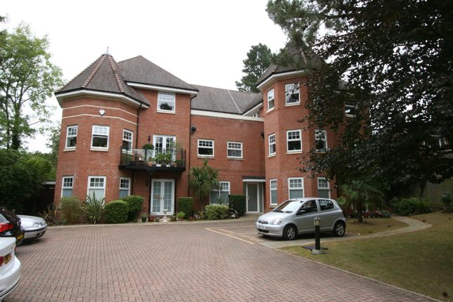 Thumbnail Flat to rent in Frithwood Avenue, Northwood