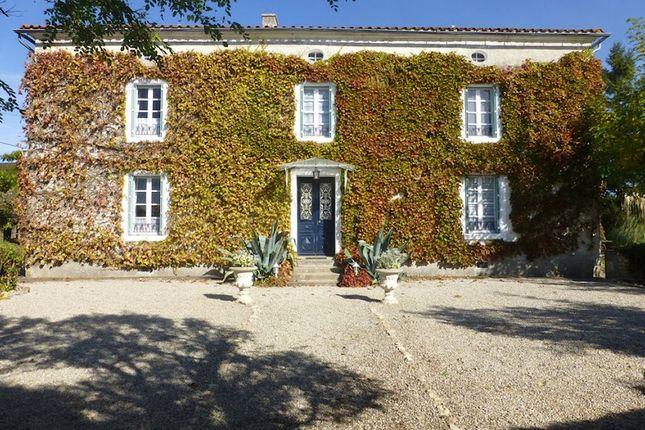 5 bed detached house for sale in 85770, Fontenay-Le-Comte (Commune), Fontenay-Le-Comte, Vendée, Loire, France