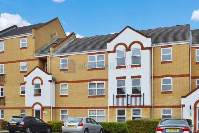 Thumbnail Flat to rent in Aaron Hill Road, London