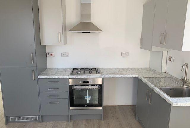Thumbnail Flat to rent in Lodge Road, Croydon