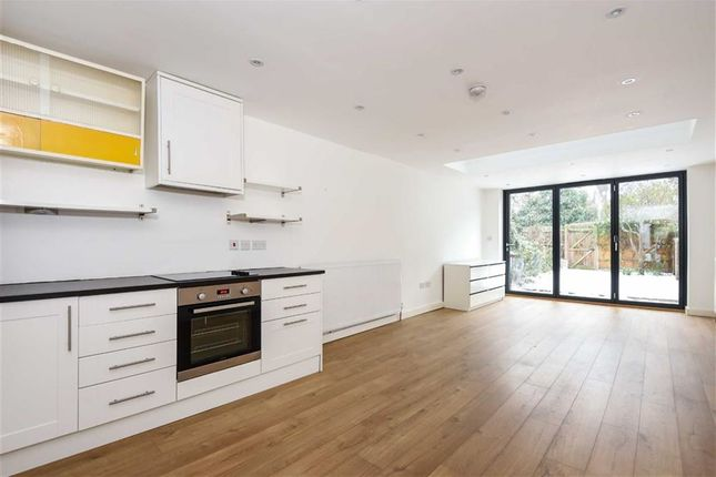 Thumbnail Property to rent in Middleton Road, London