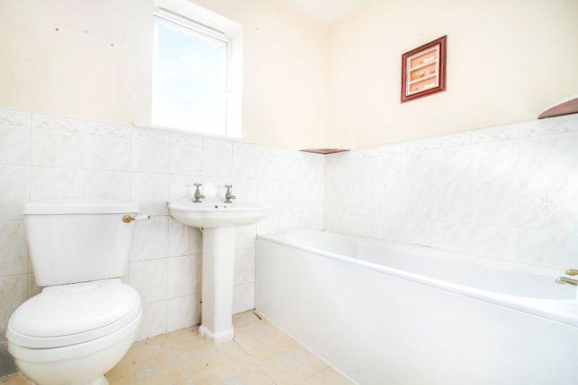,Bathroom of Holyfields, West Allotment, Newcastle Upon Tyne NE27