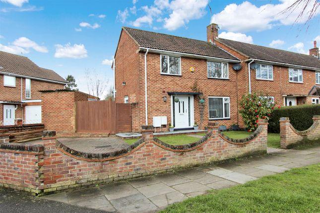 Thumbnail End terrace house for sale in Newfield Lane, Adeyfield, Hemel Hempstead