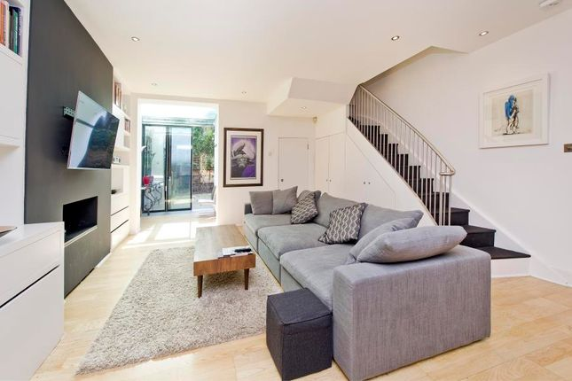 Thumbnail Flat to rent in Mcgregor Road, London