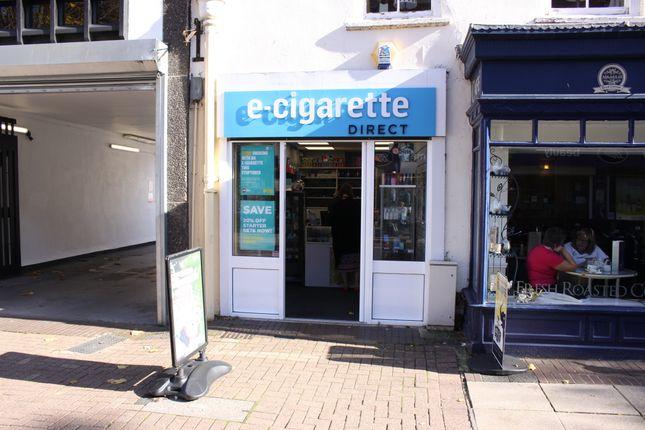 Retail premises to let in High Street, Taunton