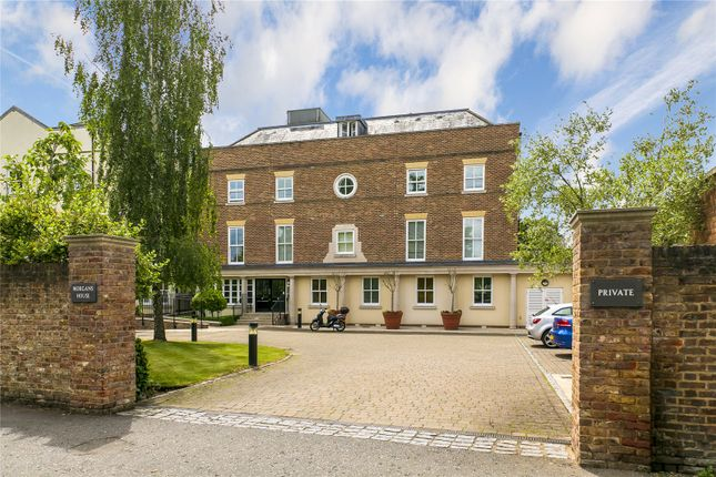 3 bed flat for sale in Ham Common, Richmond, UK TW10