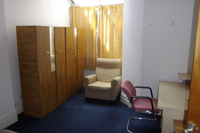 Thumbnail Shared accommodation to rent in 14, Pantygwydr Road., Swansea
