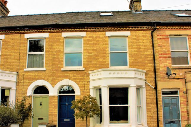 Thumbnail Terraced house to rent in St. Philips Road, Cambridge