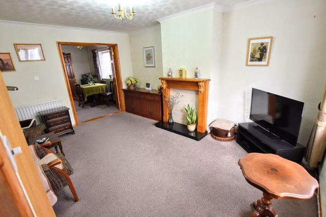 Lounge of Stuart Close, Bletchley, Milton Keynes MK2