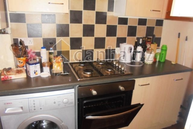 Thumbnail Property to rent in Harold Place, Hyde Park, Leeds