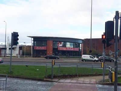 Thumbnail Retail premises to let in Unit 5, Castlemore Retail Park, Stretford, Manchester