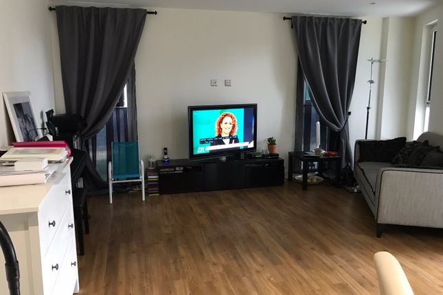 Thumbnail Flat for sale in Hatton Road, Wembley, Middlesex